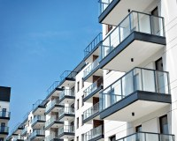 Can I change my flat from leasehold to commonhold?